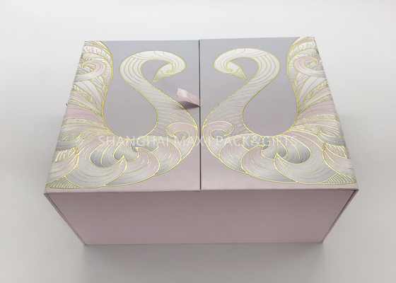 Curated Pretty Branded Gift Boxes , Deluxe Personalized Gift Boxes For Weddings 2 Sides Opening